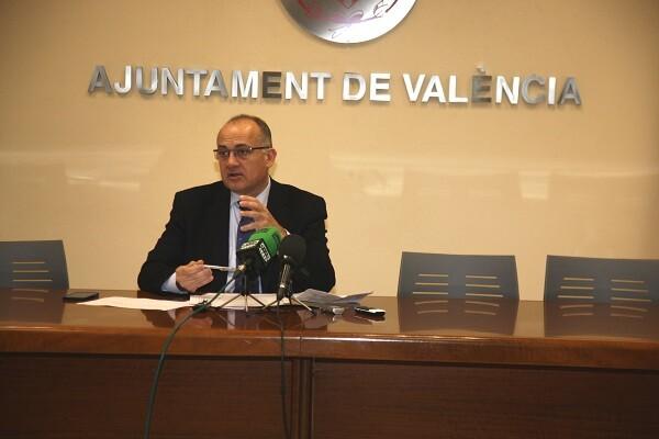 El Consistorio valora la bajada del paro en Valencia en 2.100 personas.