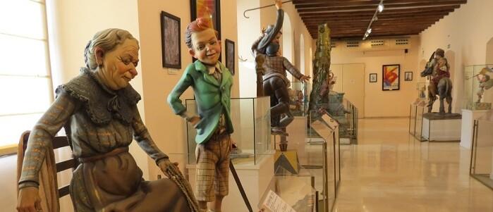 El Museo Fallero acoge en el barrio de Monteolivete desde los años 70 una colección de ninots indultados con más de ocho décadas de historia.