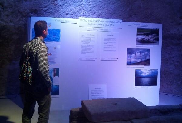 El Museo de Aguas de Alicante acoge la exposición de las obras ganadoras en el concurso 'Agua y Medio Ambiente' organizado por Hidraqua y APSA.