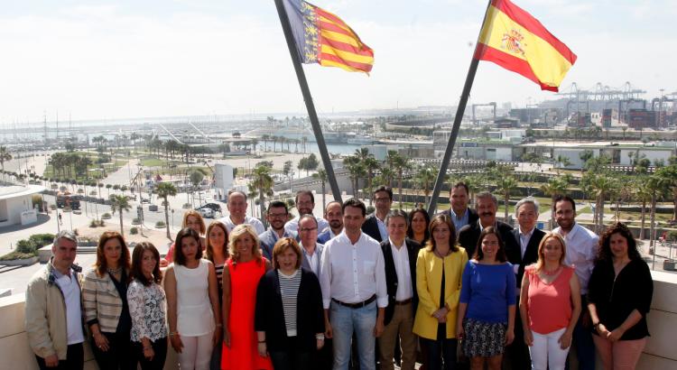El Partido Popular de la provincia de Valencia ha reunido hoy a sus candidatos al las Cortes Generales en un entorno, el Puerto de Valencia
