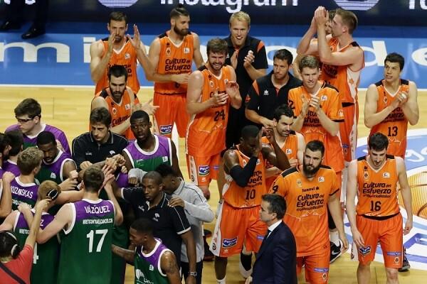El Valencia Basket se planta en semifinales al vencer al Unicaja (59-88).