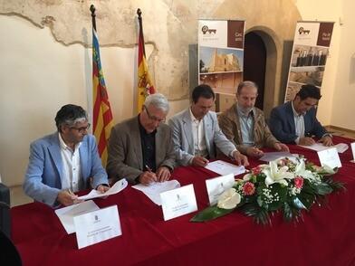 El fomento de la agricultura ecológica y el ecoturismo, además de la preservación del patrimonio natural, histórico y artístico son los puntos principales del acuerdo.