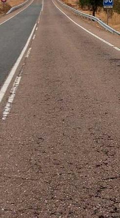El pavimento obtiene una nota de 'deficiente', según el estudio.