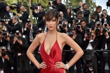 El sexy vestido rojo que revolucionó Cannes (10)