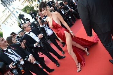 El sexy vestido rojo que revolucionó Cannes (11)