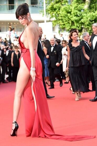 El sexy vestido rojo que revolucionó Cannes (12)