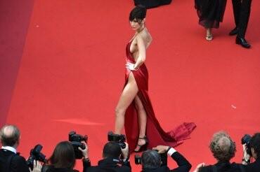 El sexy vestido rojo que revolucionó Cannes (13)