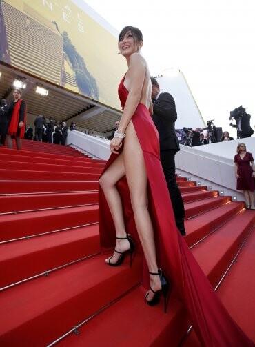 El sexy vestido rojo que revolucionó Cannes (3)
