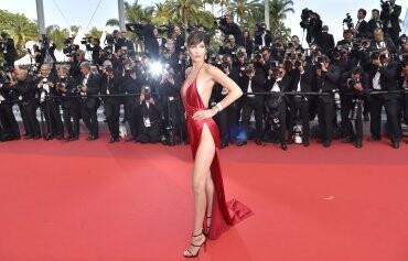 El sexy vestido rojo que revolucionó Cannes (7)