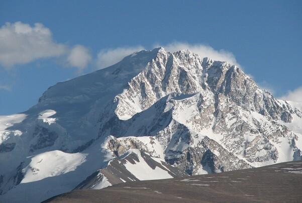 Encuentran los restos de dos escaladores desparecidos hace 16 años en el Tibet.