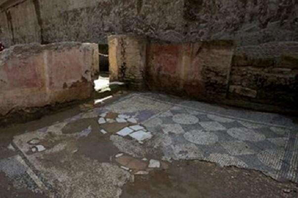 Encuentran ruinas del siglo II en el metro de Roma.