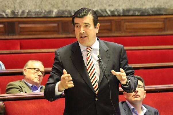 Fernando Giner- 'Rajoy ha demostrado una vez más que Barberá, además de estar aforada, es intocable'.