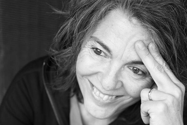 """Flavia Company-""""Creo que la literatura es el resultado de una dedicación en cuerpo y alma de un artista"""". (Foto-Miri García)."""