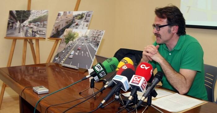 Giuseppe Grezzi, durante la presentación del proyecto.