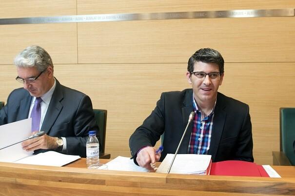 La Diputación rebaja en 1,8 millones la tasa a los ayuntamientos por la gestión tributaria. (Foto-Abulaila).