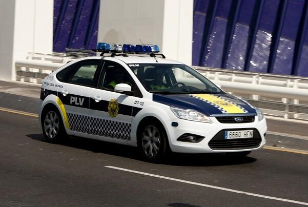 La Policía Local de Valencia detiene a una conductora que se había dado a la fuga.