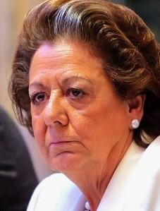 """La incomparecencia de la tesorera Carmen Navarro es interpretada como """"un respaldo de Rajoy a Rita Barberá""""."""