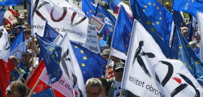 Las autoridades locales calcularon que más de 240 mil personas participaron en esta protesta.
