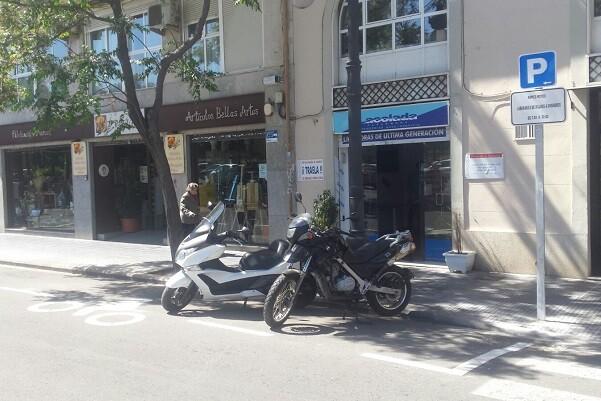 Movilidad Sostenible implementa decenas de nuevas plazas de moto en el entorno de Ciutat Vella.