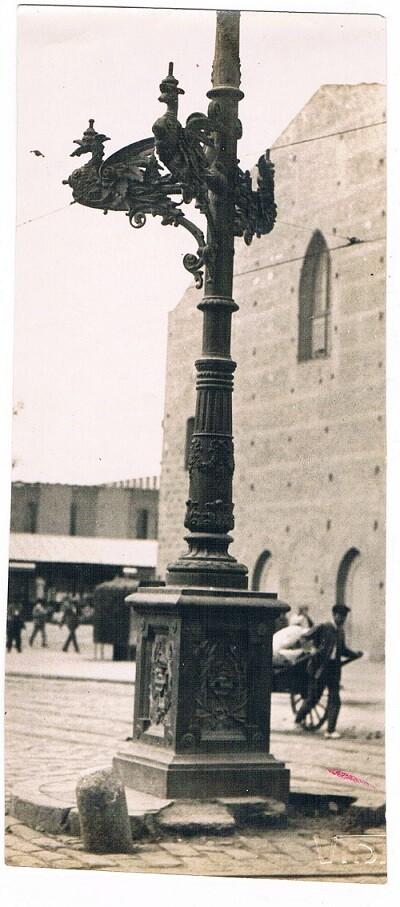 Plaza San Agustín, farola.