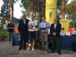 PrimerPremioGolfMás de 220 personas disputan el torneo de golf Casa Caridad contra la pobreza16 (1)