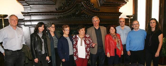 Reunión con la Comisión de Familiares de Víctimas del Cementerio Civil.