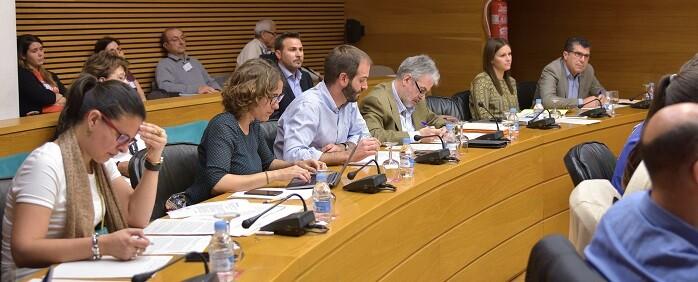 Reunión de la Comisión de Obras Públicas en Les Corts.