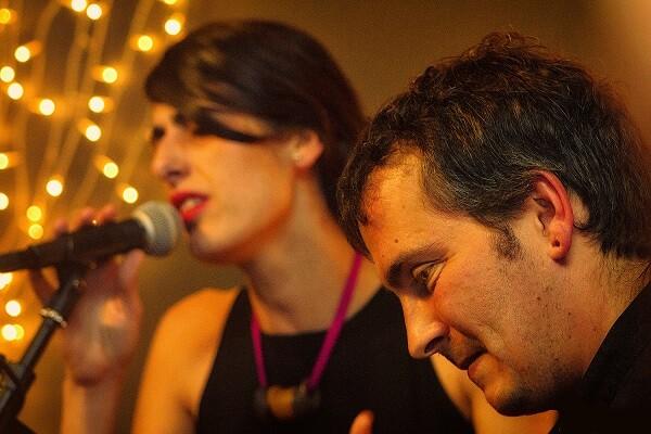 Sala Russafa nos espera con artes plásticas y la bienal Russafart  y…, flamenco y poesía con el espectáculo 'Lorcamente'.