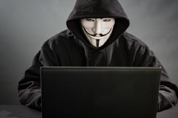 Tres hackers, pertenecientes a la cúpula de Anonymous según la Policía, se enfrentan a penas de cinco años de prisión.