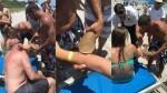 Un tiburón la mordió mientras nadaba, no la soltó y fue con el pez colgando hasta el hospital (6)