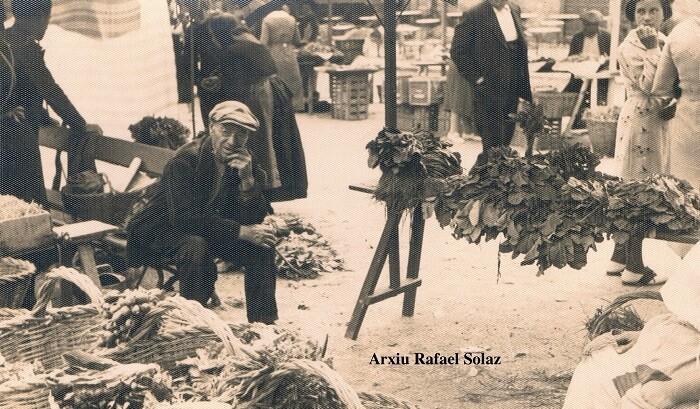 Vendedor del mercado. Lugar desconocido. Ca. 1930.