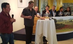 presentación nuevos vinos Bodegas Ontinium 20160523_190214 (32)