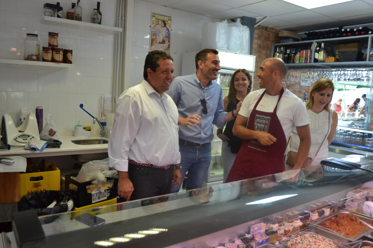 Ana Montagut, Fuster y Moliner en mercado Burriana (4)