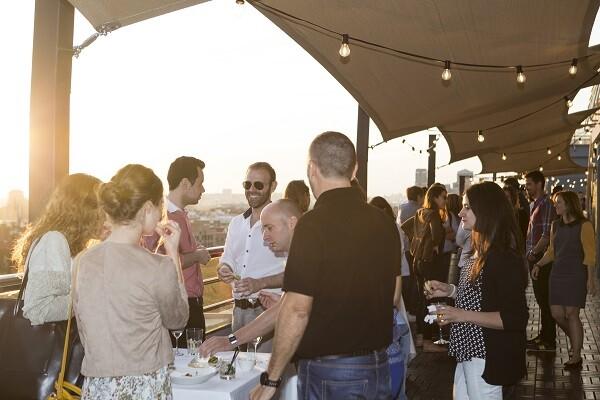 """Carlos Alapont """"Terraza Urban Club de Expo Hotel es el espacio perfecto para relajarse""""."""