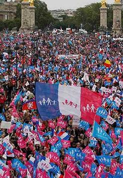 Cerca de 80.000 personas se manifestaron en París.