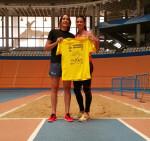 Concha Montaner y María Peinado con la camiseta IV Carrera en Manada de BIOPARC Valencia
