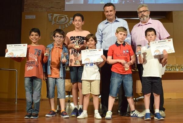 Día del Ajedrez las EEDD de Valencia celebran su fiesta final en La Petxina.