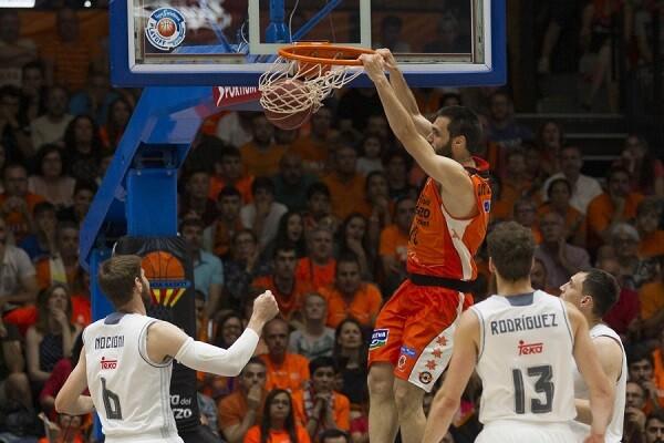 El Valencia Basket  cae ante el Madrid. (82-80)(Foto-Miguel Ángel Polo).
