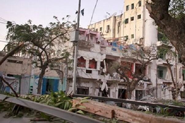 El ataque a un hotel de Somalia deja al menos una decena de muertos.