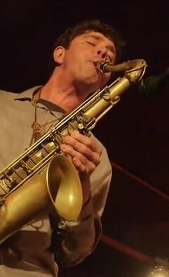 El músico estadounidense lidera un quinteto de lujo que cuenta con figuras como Steve Cardenas y Jorge Rossy.