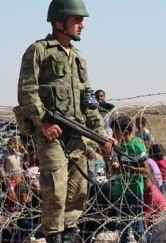 En Turquía viven alrededor de 2,7 millones de refugiados sirios.