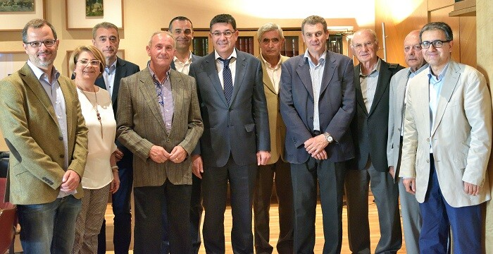 En la reunión de trabajo se ha tratado las grandes cuestiones para rehacer el campo valenciano.