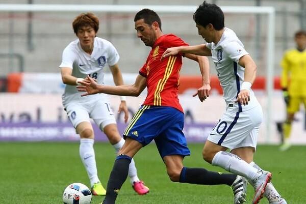 España vence a Corea del Sur por 6-1.