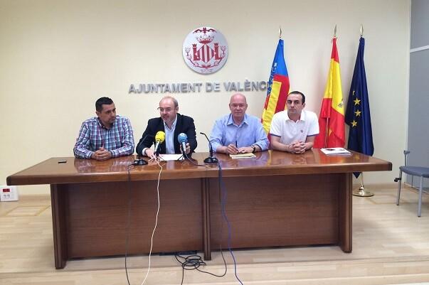 """Eusebio Monzó-""""El objetivo final del tripartito es eliminar els bous al carrer""""."""