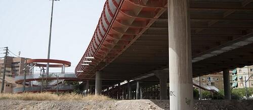 Hay que destacar las inversiones que se van a realizar en el Puente Rojo con el objetivo de mitigar la acumulación de agua durante episodios de lluvia intensa.