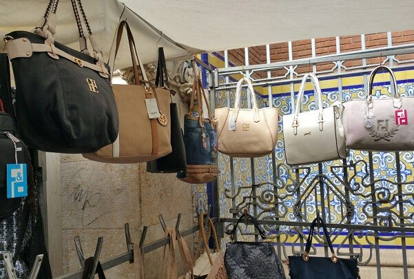 Intervienen falsificaciones en el Rastro y en la zona del Mercado Central.