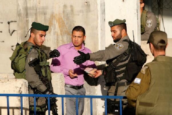 Israel cierra su frontera con Cisjordania por tres días alegando 'motivos de seguridad'.