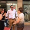 Juan Fuster y Ana Montagut en mercado municipal