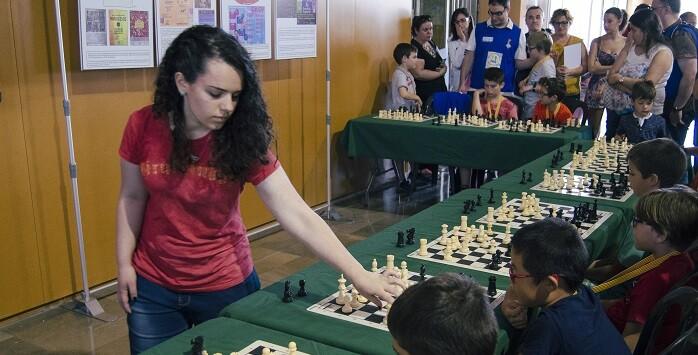 La Campeona de España Sub-16 Marta García en plena simultanea.