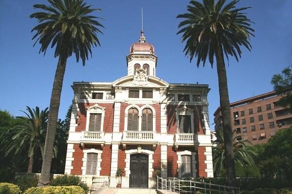 La Universidad Popular inicia las obras de reforma del Palacio de Ayora.